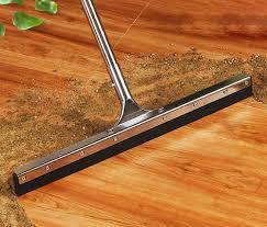 Cây gạt nước sàn cao su 60cm